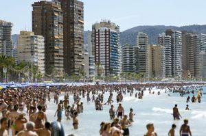 El Consejo General de Colegios a petición de la Generalitat Valenciana edita una guía para poner freno al alojamiento ilegal